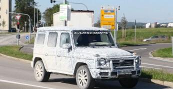 Mercedes G 2018 - zdjęcia testowego prototypu i deski rozdzielczej