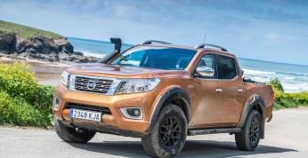 Nissan Navara Off-Roader AT32 - pickup gotowy do jazdy w terenie