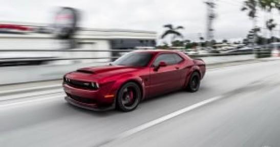 Dodge Challenger Demon na felgach Vossen