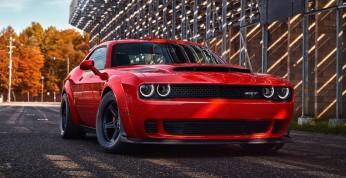 Chcesz kupić Dodge'a Demona? Będziesz musiał przystać na kilka...