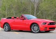 Ford Mustang GT Convertible model na rok 2013