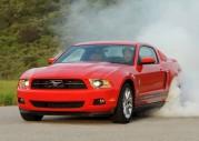 Ford Mustang V6 vs Chevrolet Camaro V6