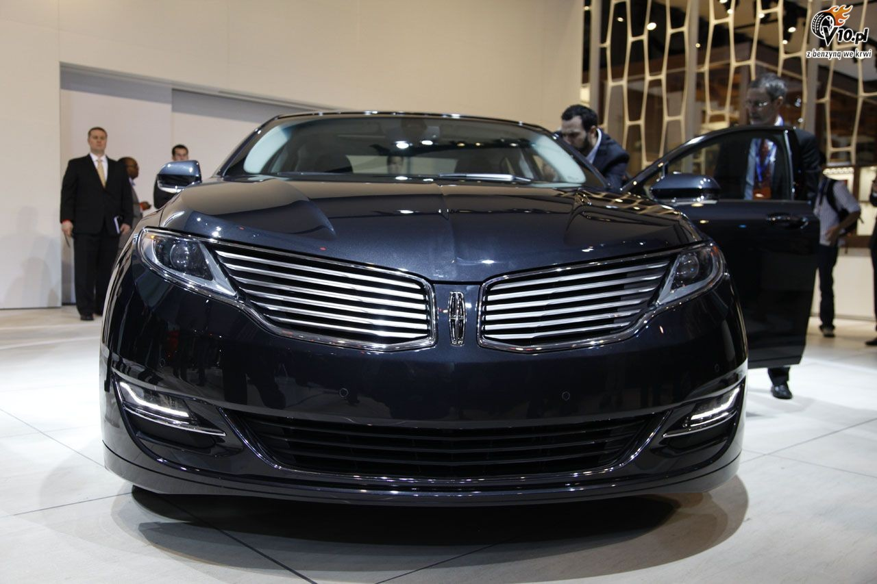 2013 lincoln mkz review the car connection autos post. Black Bedroom Furniture Sets. Home Design Ideas