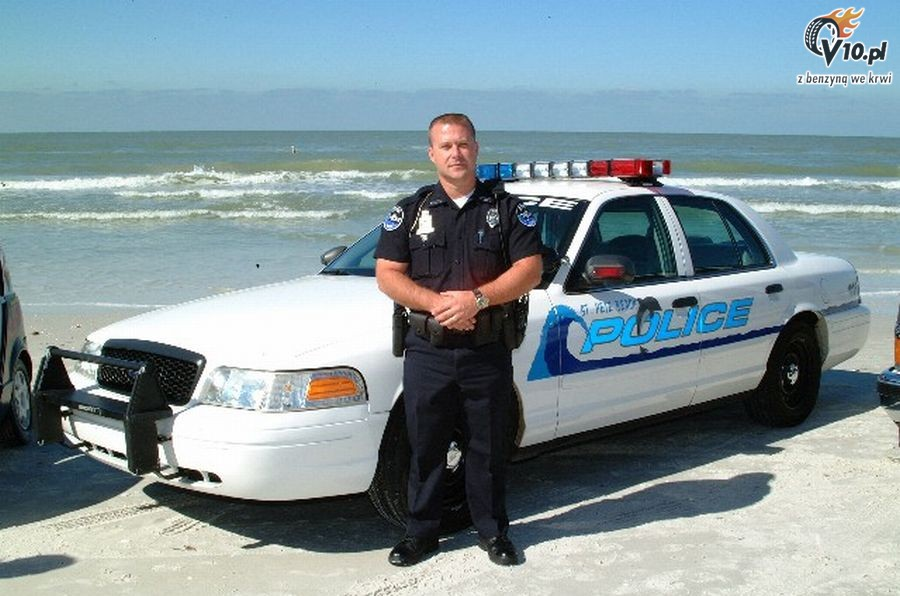 ford crown victoria police 7 ocean