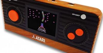 Atari Retro Handheld - debiut małej konsolki inspirowanej Atari 2600
