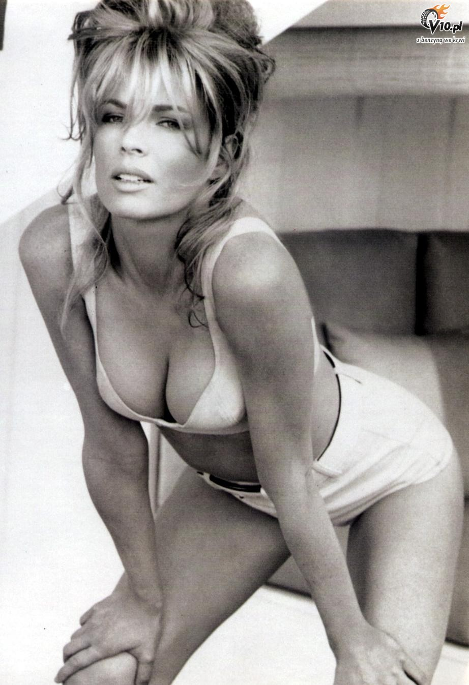 Kim Basinger Hot 85