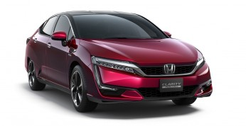 Honda Clarity z tytułem Green Car Of The Year 2017