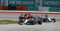 Mercedes mo�e zrezygnowa� z r�wnych strategii dla Hamiltona i Rosberga