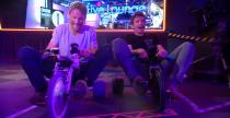 Button w wy�cigu rowerkami tr�jko�owymi (wideo)