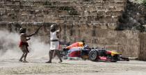 Bolid F1 odkry� Jordani� (wideo)