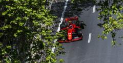 GP Azerbejdżanu - 2. trening: Dublet Ferrari, kolejne wypadki