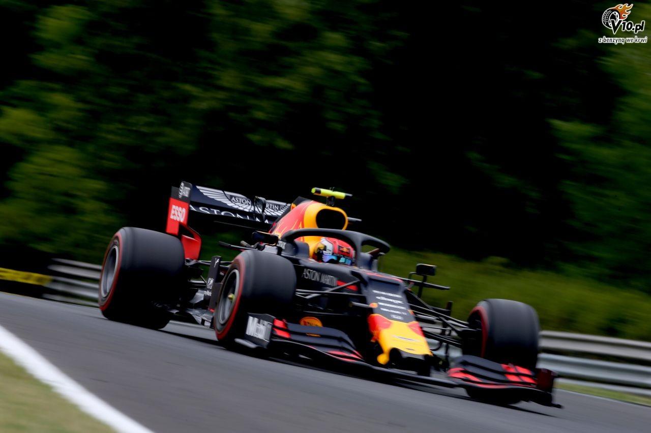 GP W�gier - 2. trening: Deszcz przeszkodzi� kierowcom. Dublet Red Bulla, wypadek Albona