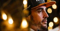 Alonso upomniał McLarena przez radio, bo był w ciężkiej sytuacji, a podawano mu stratę do kierowcy na 5. miejscu
