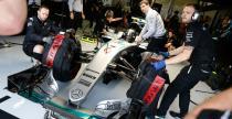 Wolne miejsce w Mercedesie oblega