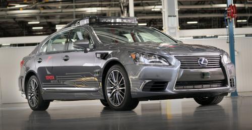 Toyota wstrzymuje testy aut autonomicznych
