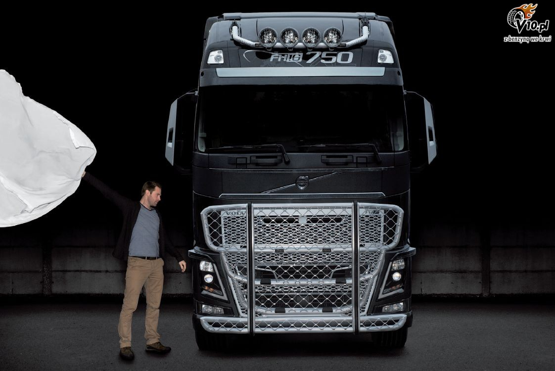 Use The Form Below To Delete This Trux Volvo Fh 2013 Image From