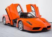 Ferrari Enzo w pomarańczowej barwie