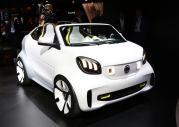 Smart na salonie samochodowym w Paryżu
