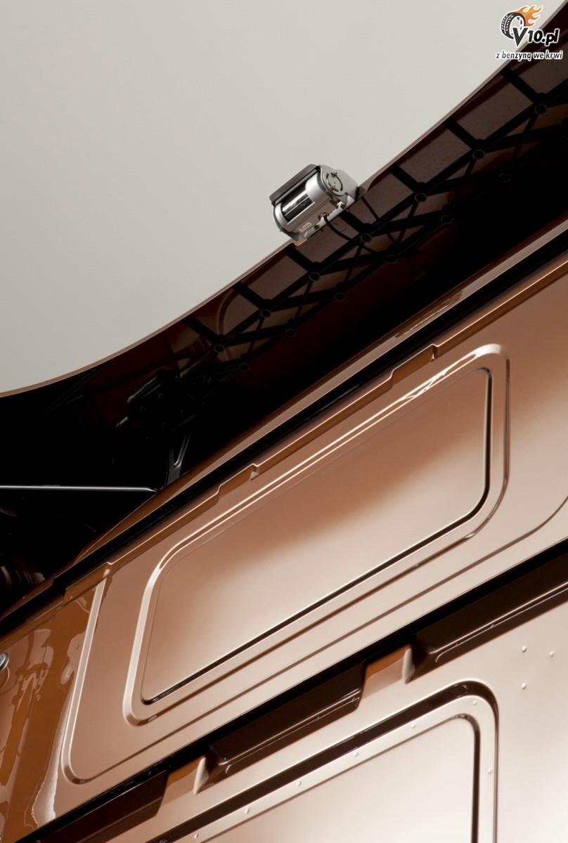 scania v8 black amber. Black Bedroom Furniture Sets. Home Design Ideas