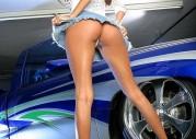 Modelka w bikini i Mercedes SLK we wspólnej sesji [49] Mindy Vega i jej ...