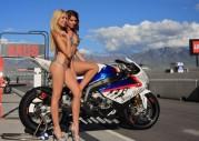 Dziewczyny i sporty motocyklowe