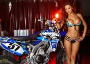 Yamaha YZ450F i seksmodelka Ana Cheri
