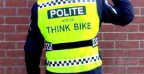 Angielskim kierowc� nie podobaj� si� motocyklowe kamizelki