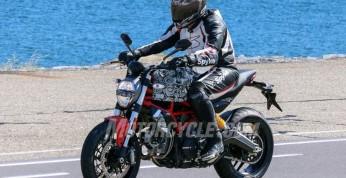 Ducati Monster 800 na 2017 rok na pierwszych zdjęciach szpiegowskich