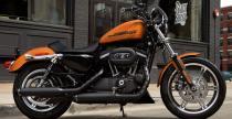 Harley-Davidson 883 Roadster na 2015 rok - pi�kno zamkni�te w prostej formie