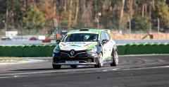 Karol Urbaniak w Renault Clio Cup Central Europe