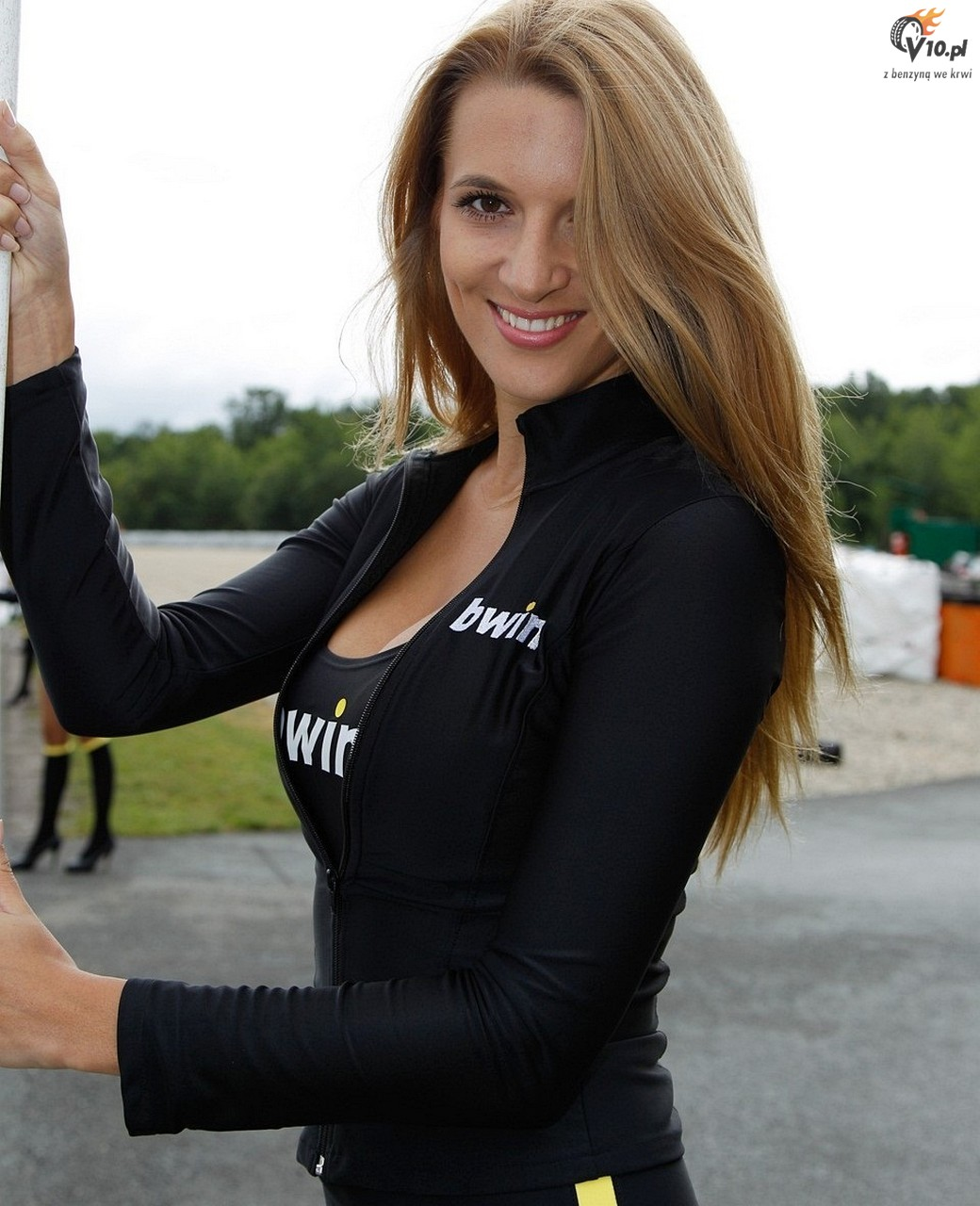 Motogp 2012 grid girls z padoku toru brno foto i wideo