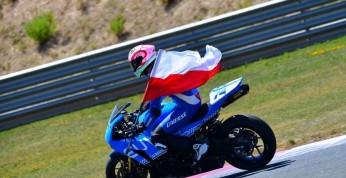 Wyścigi motocyklowe: 17-letni Polak na podium w klasyfikacji...