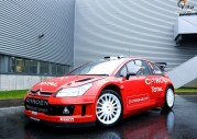 Wideo: Citroen DS3 WRC kontra Citroen C4 WRC