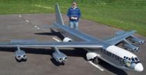 Samoloty RC w wielkiej skali - pi�kne loty i spektakularne katastrofy