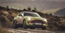 Aston Martin DBX - prototyp testowy na oficjalnych materiałach