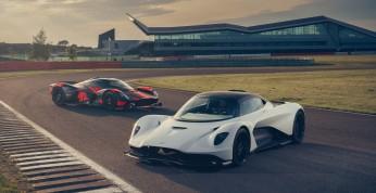 Aston Martin Valhalla zaliczył dynamiczny debiut na torze