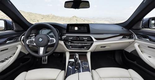 BMW wniesie opłatę za Apple CarPlay