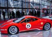 Ferrari 458 Challenge pokazane w Bolonii
