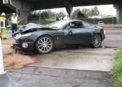 Aston Martin Vanquish rozbity przez mechanika
