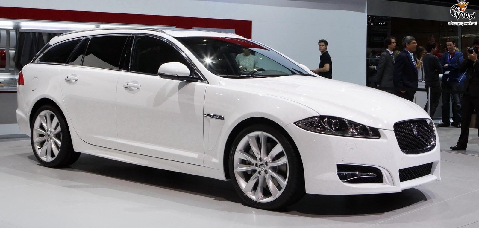 Jaguar xf estate 2012 16