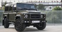 Land Rover Defender zmodyfifkowany przez Kahn Design i CTC