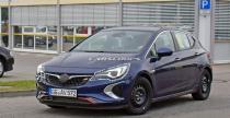 Opel Astra GSi przyłapana na testach w minimalnym kamuflażu