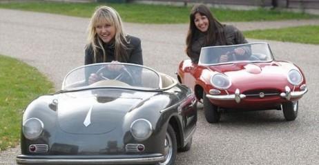 Jeżdżące Miniatury Klasycznych Samochod 243 W Marzeniem
