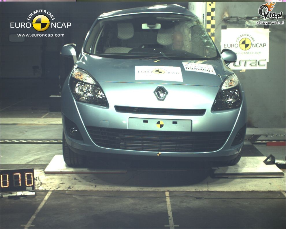 renault grand scenic test zderzeniowy euroncap 04. Black Bedroom Furniture Sets. Home Design Ideas