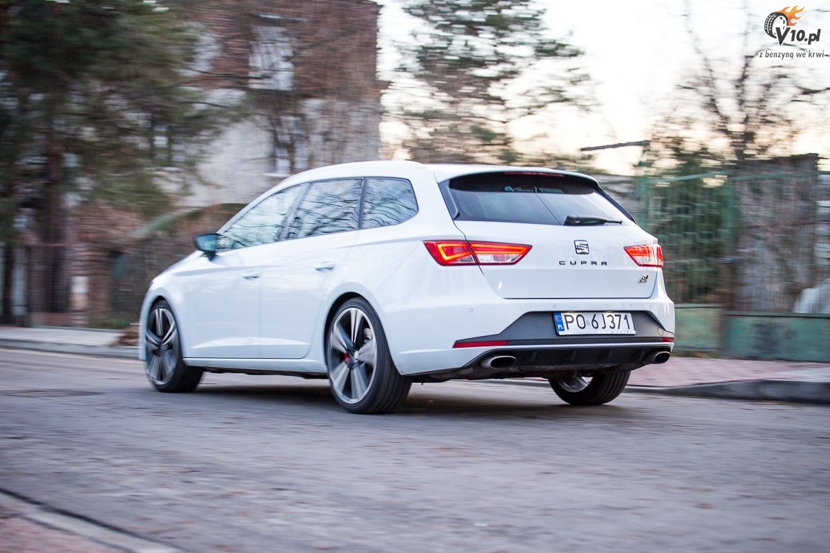 seat leon st cupra i xperience test 22. Black Bedroom Furniture Sets. Home Design Ideas