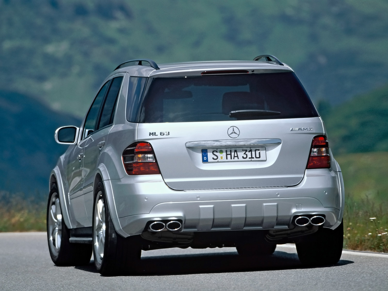 2006 Mercedes Benz ML 63 AMG 1600x1200 1246 Tapety na pulpit