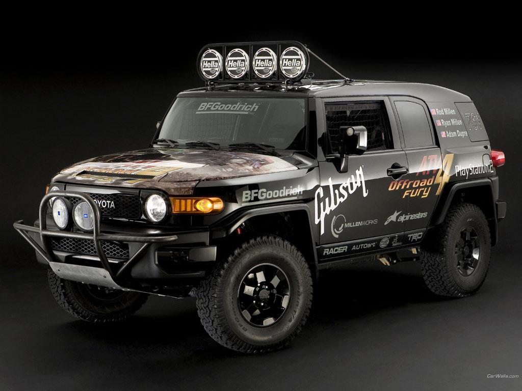 toyota fj cruiser race truck 1024x768 b26 - tapety na pulpit
